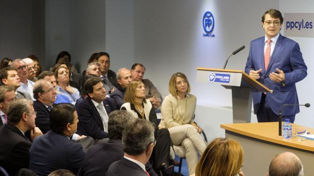 Fernández Mañueco interviene en la primera Junta Directiva Autonómica que preside tras su nombramiento