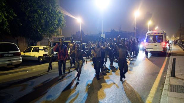 Entrada en tromba por el Tarajal de inmigrantes el 7 de agosto pasado