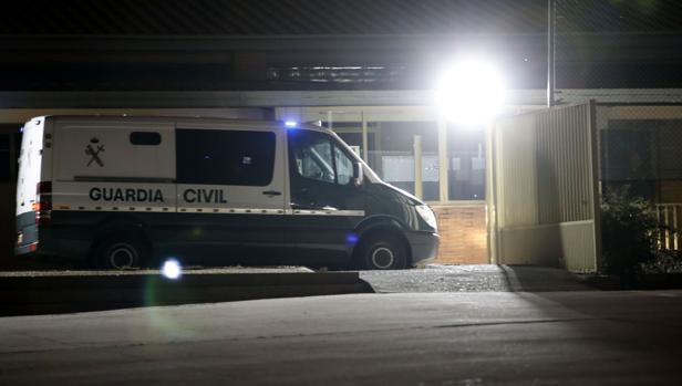 Imagen de la llegada nocturna de Jordi Sánchez a Soto del Real