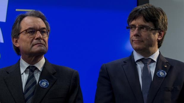 Artur Mas ayer junto a Carles Puigdemont