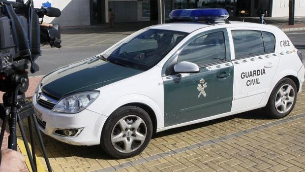 Vehículo de la Guardia Civl en Torrevieja