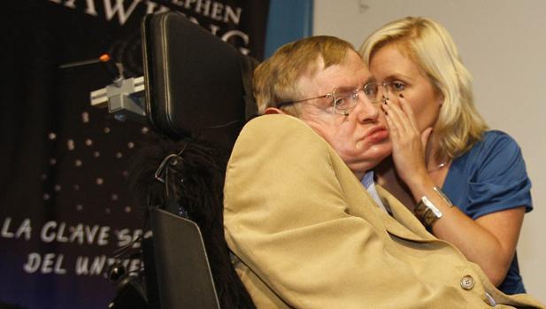 Hawking, en una visita al instituto Rosalía de Castro
