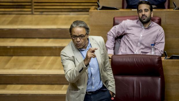 El portavoz socialista en las Cortes, Manolo Mata, en una imagen de archivo