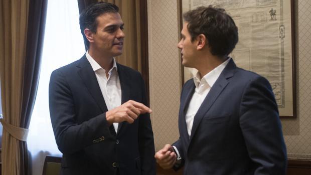Pedro Sánchez (PSOE) y Albert Rivera (Cs), en una imagen de archivo