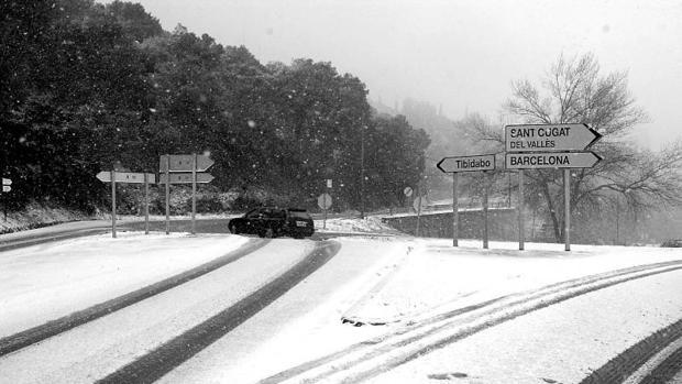 Imagen de archivo de una nevada en la zona de Collserola