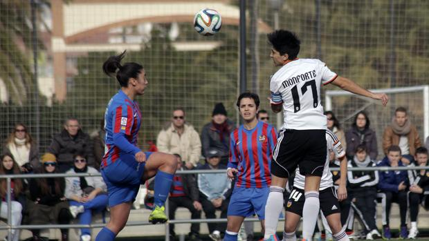 Imagen de archivo del derbi femenino Valencia - Levante