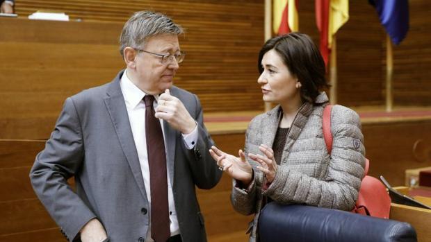 La consellera de Sanidad, Carmen Montón, con el presidente de la Generalitat Valenciana, Ximo Puig