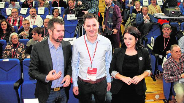 Tudanca, Cendón y Lastra, ayer en la inauguración del Congreso del PSOE de León
