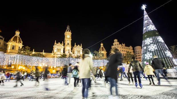 Imagen de la plaza del Ayuntamiento, las Navidades de 2016