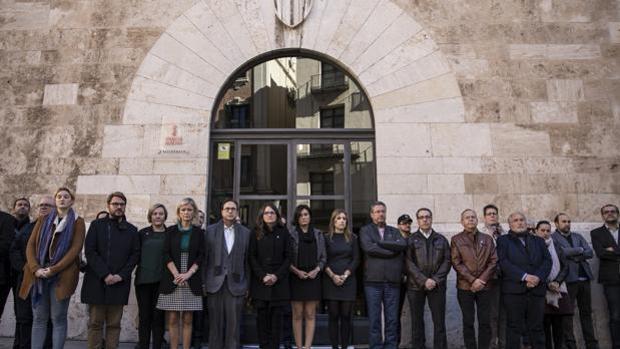 Imagen de archivo de una concentración de repulsa ante un asesinato machista en el Palau de la Generalitat