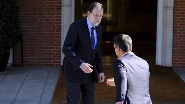 Rajoy y Sánchez, en el encuentro que tuvieron en La Moncloa el 2 de octubre