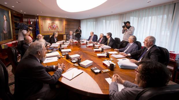 Imagen de archivo del pleno del Tribunal Constitucional