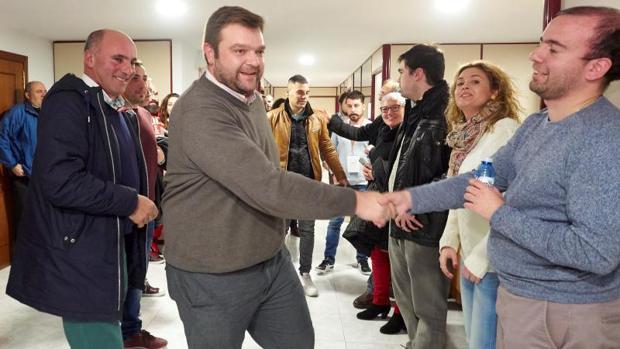 Álvaro Santos tras vencer en las primarias provinciales del PSdeG