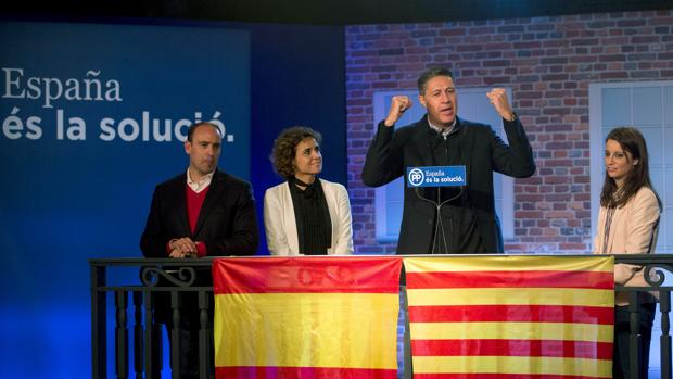 Xavier García Albiol, acompañado de Daniel Serrano, Dolors Montserrat y Andrea Levy en el acto de apertura de campaña electoral del PPC