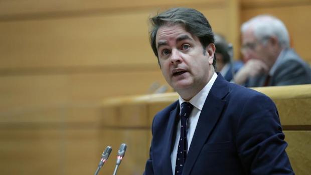 Roberto Bermúdez de Castro explicó ayer en el Senado la aplicación del 155