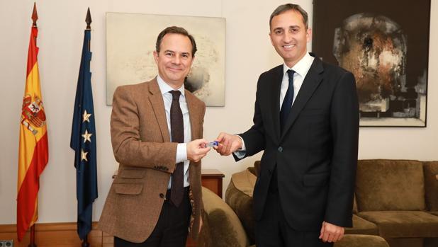 El portavoz del equipo de Gobierno provincial y el presidente de la Diputación de Alicante