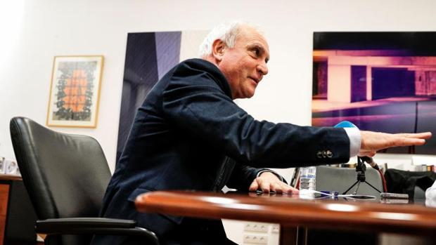 El secretario autonómico de Cultura, Albert Girona, durante la rueda de prensa de este martes