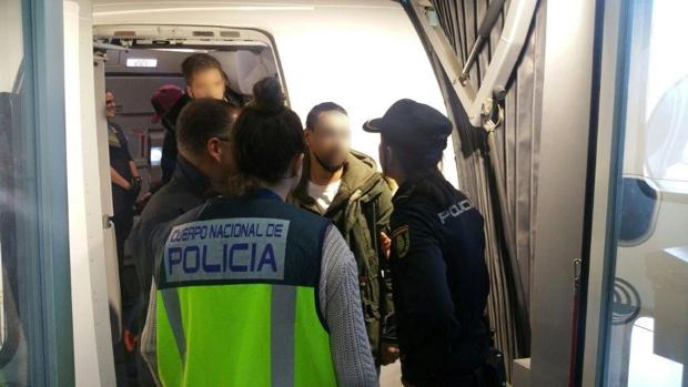 Imagen de la detención del acusado por robo con fuerza