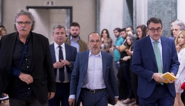 De izquierda a derecha, Joan Tardá (ERC), Carles Campuzano (PDECat) y Aitor Esteban (PNV)
