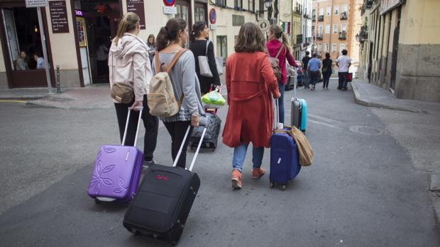 Turistas en la calle de Lavapiés (Centro)