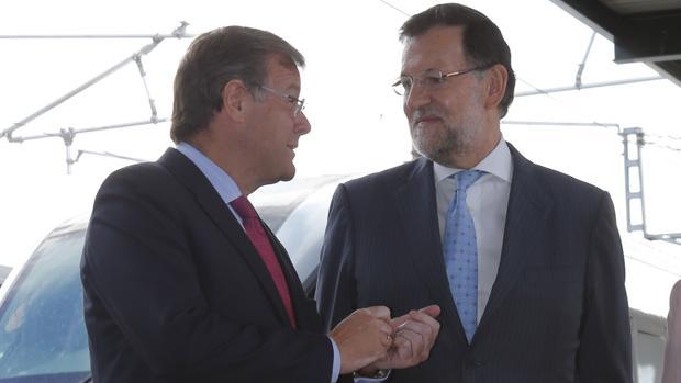 Antonio Silván y Mariano Rajoy, en una imagen de archivo