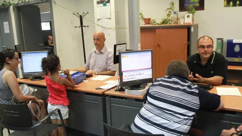 La espera media para renovar el dni se situ este a o en for Oficinas para renovar dni