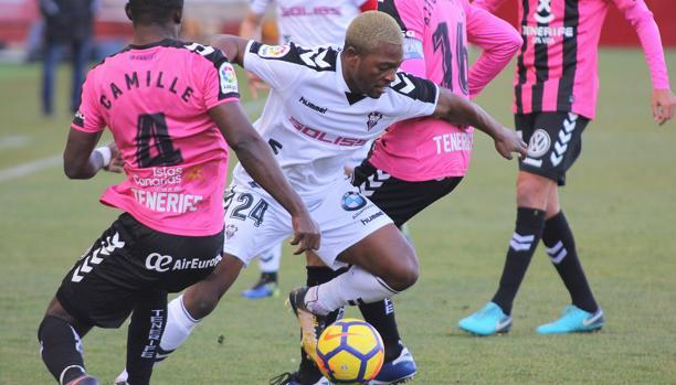 El francés Jeremie Bela marcó el único tanto del Albacete