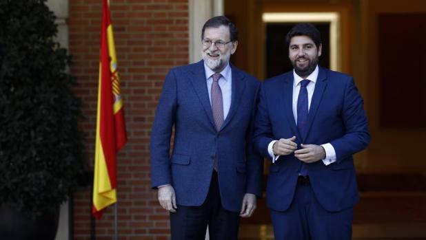 El presidente de la Región de Murcia, Fernando López Miras, con el presidente del Gobierno, Mariano Rajoy