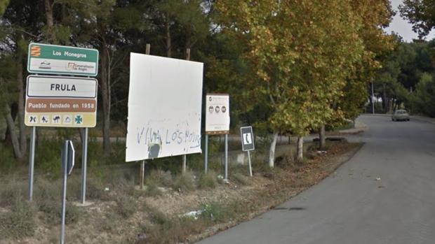 Carretera de acceso a la pequeña población de Frula (Huesca), donde se produjo el tiroteo
