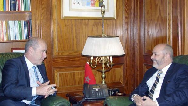 Pedro Ortega y el embajador de Marruecos en Madrid, Mohammed Fadel Benyaich, en 2015