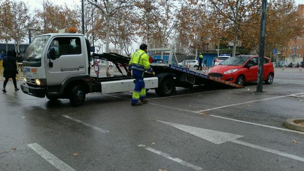 El servicio de recogida de vehículos de Getafe
