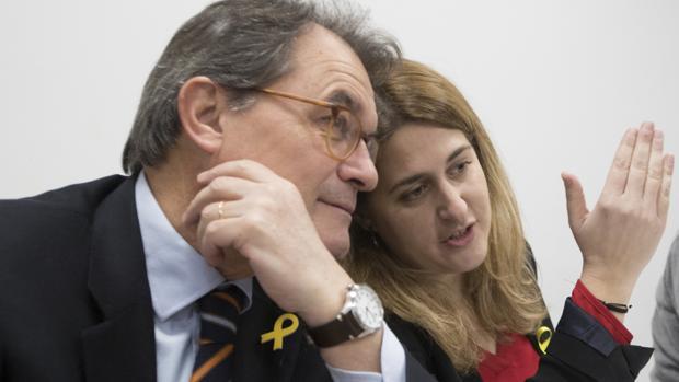 Artur Mas junto a Marta Pascal