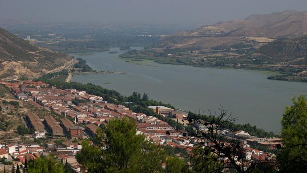 Mequinenza, donde el Segre desemboca en Mequinenza