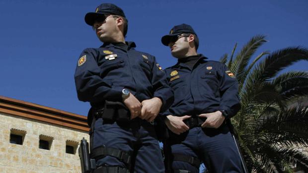 La falta de agentes afecta a las unidades de la Policía Nacional de Zaragoza capital y Clalatayud