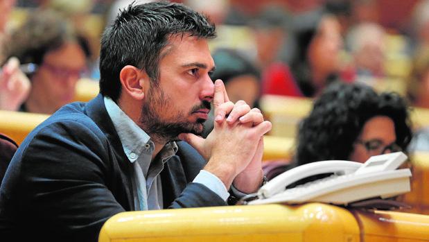 Ramón Espinar, durante una sesión en el Senado