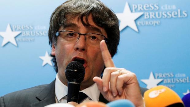 Puigdemont en una rueda de prensa en Bruselas el pasado mes de octubre