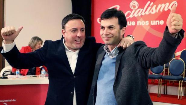 Valentín González Formoso y Gonzalo Caballero durante el Congreso socialista en La Coruña