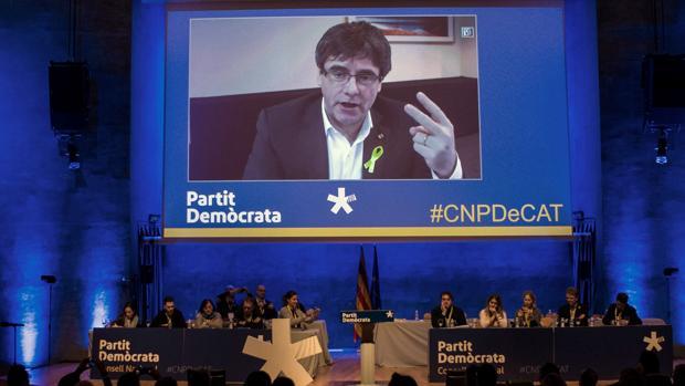 Puigdemont por videoconferencia en el Consell Nacional del PDeCAT