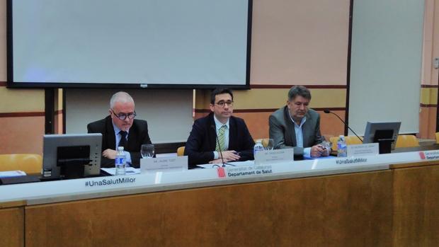 David Elvia, en el centro de la imagen, avisó esta semana de que se vigilaría el congreso al detalle