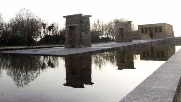El exterior del Templo de Debod, en la