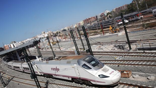 Imagen del AVE a su llegada a Valencia