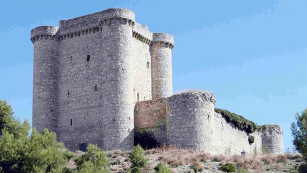 Castillo de Puñoenrostro, fechado en el siglo XV