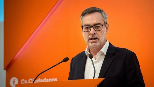 El secretario general de Ciudadanos, José Manuel Villegas, este lunes en la sede de su formación