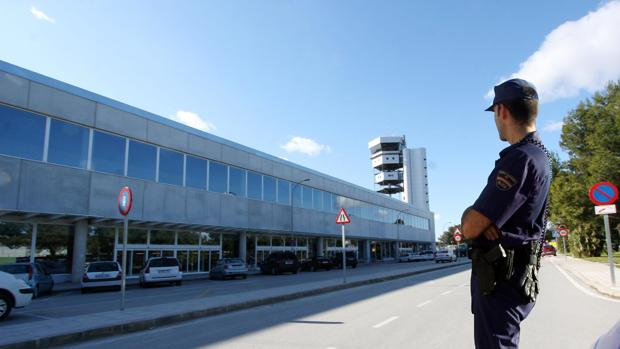 Imagen de archivo del aeropuerto de Alicante-Elche