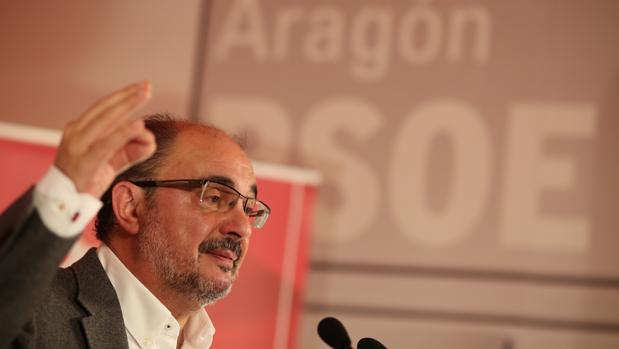 El secretario general del PSOE Aragón y presidente regional, Javier Lambán, en un acto de su partido
