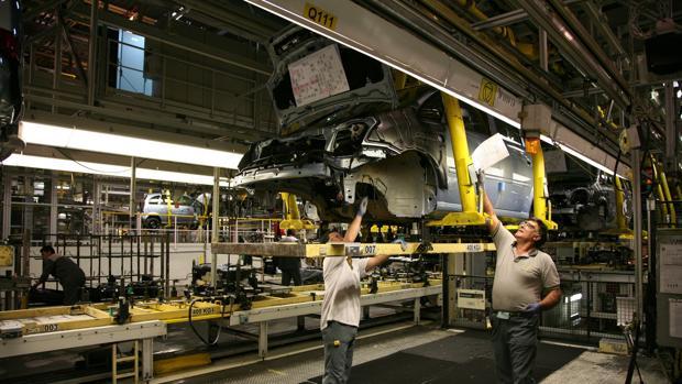 De la fábrica de Opel de Figueruelas (Zaragoza) dependen más de 5.000 empleos directos y varios miles más indirectos