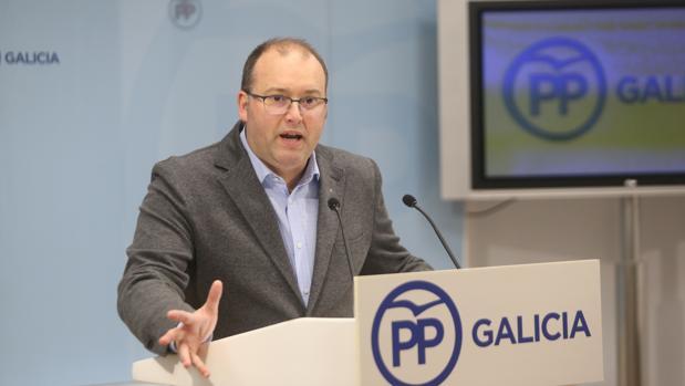 El secretario general del PPdeG, Miguel Tellado, ayer en rueda de prensa