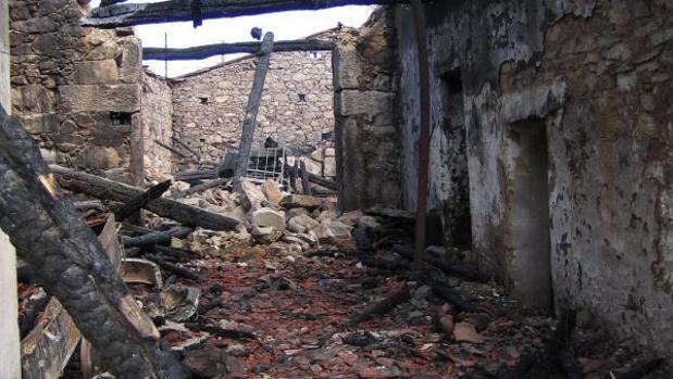Uno de los sitios calcinados en El Berrueco