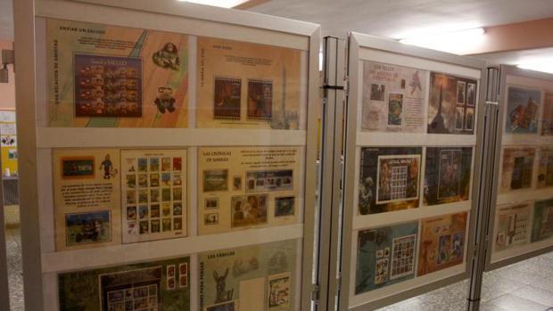 Sellos postales en una exposición