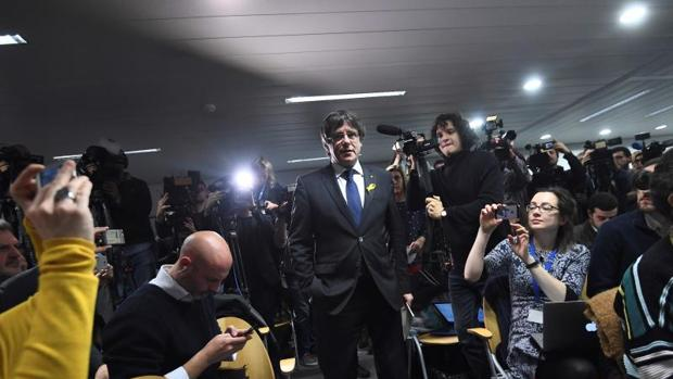 Carles Puigdemont, durante una rueda de prensa celebrada en Bruselas